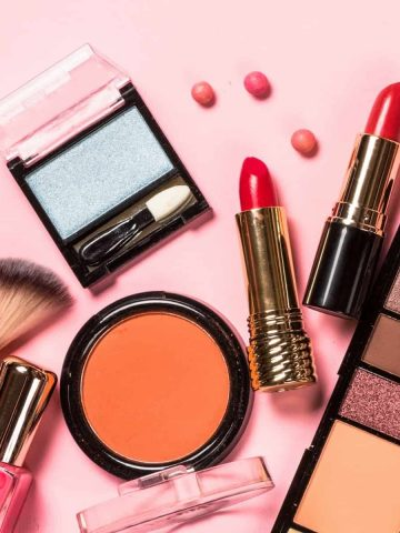 free makeup samples by mail featured image
