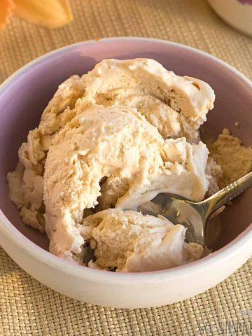 keto peach ice cream no eggs featured image
