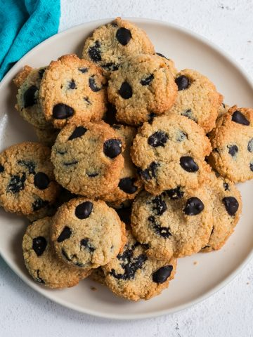 almond flour peanut butter chocolate chip cookies featured image